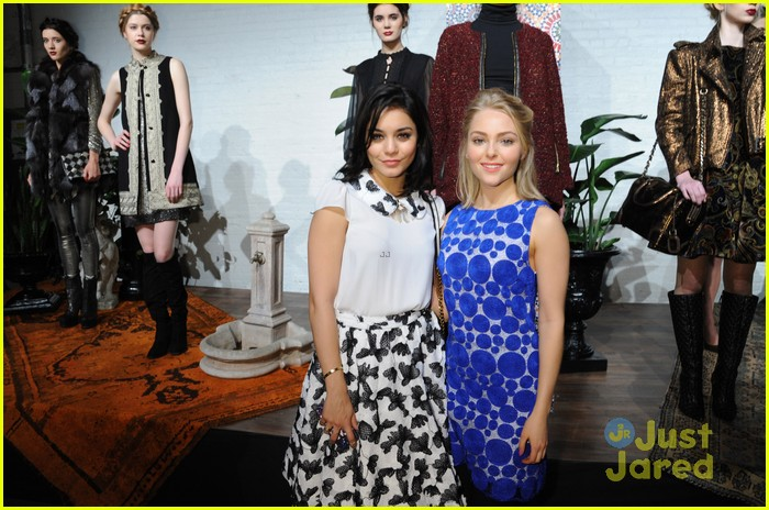 vanessa hudgens alice olivia fashion show 11