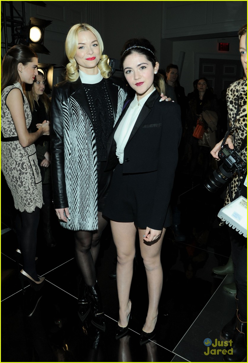 isabelle fuhrman shenae grimes minkoff wu shows 02