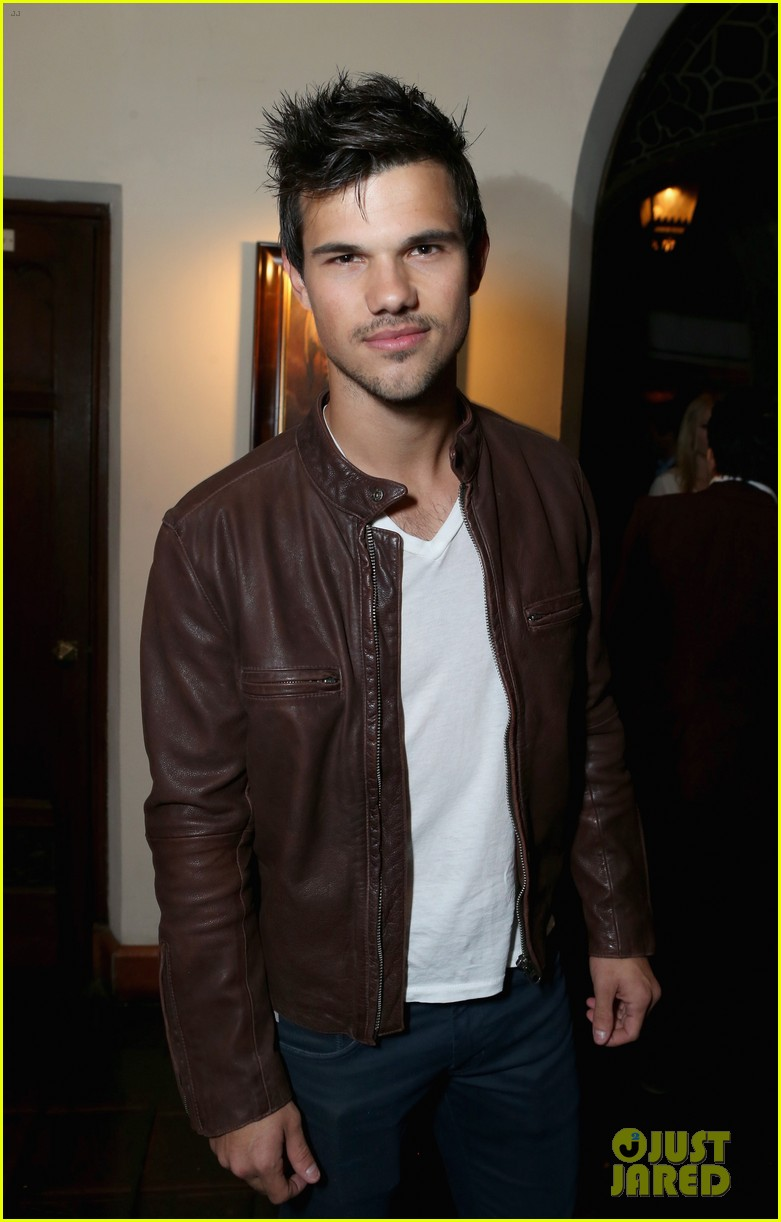 taylor lautner liam hemsworth weinstein company party 02
