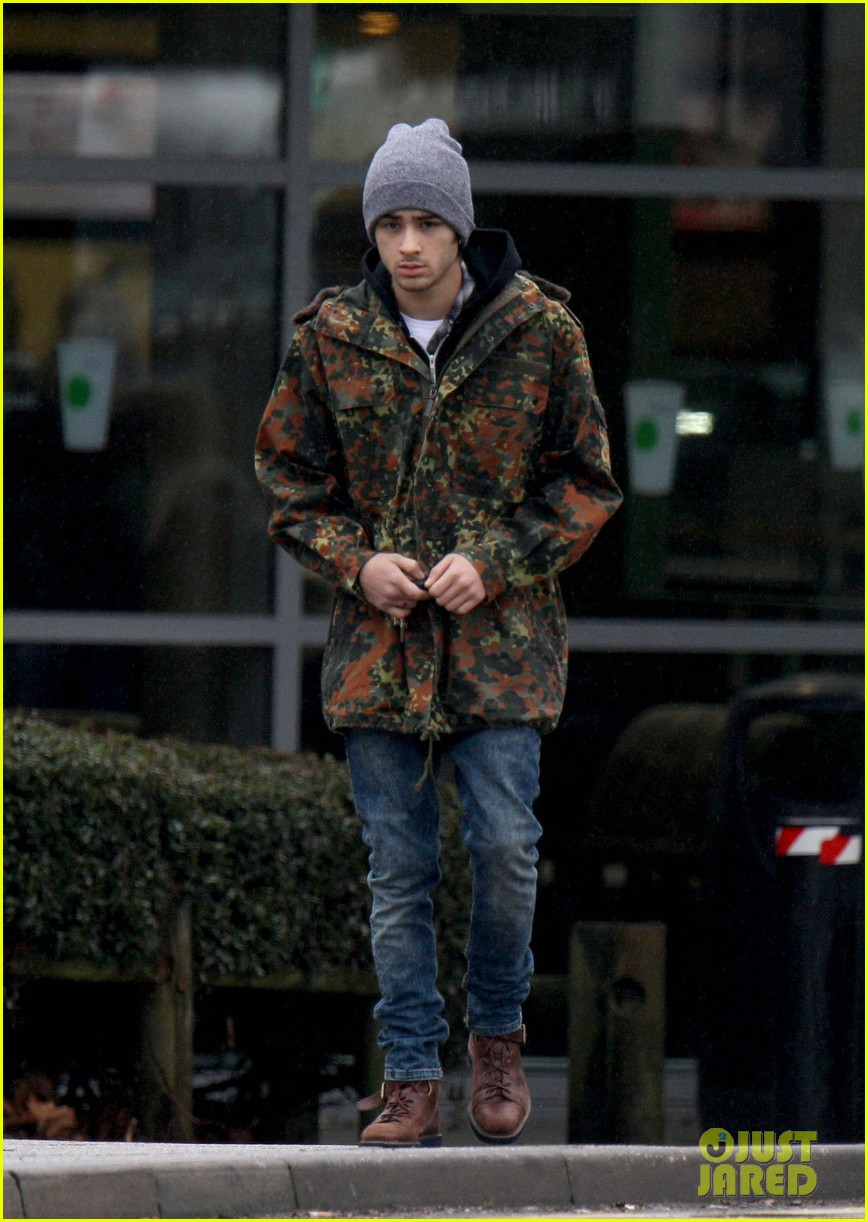 zayn malik completely camoflauged 07