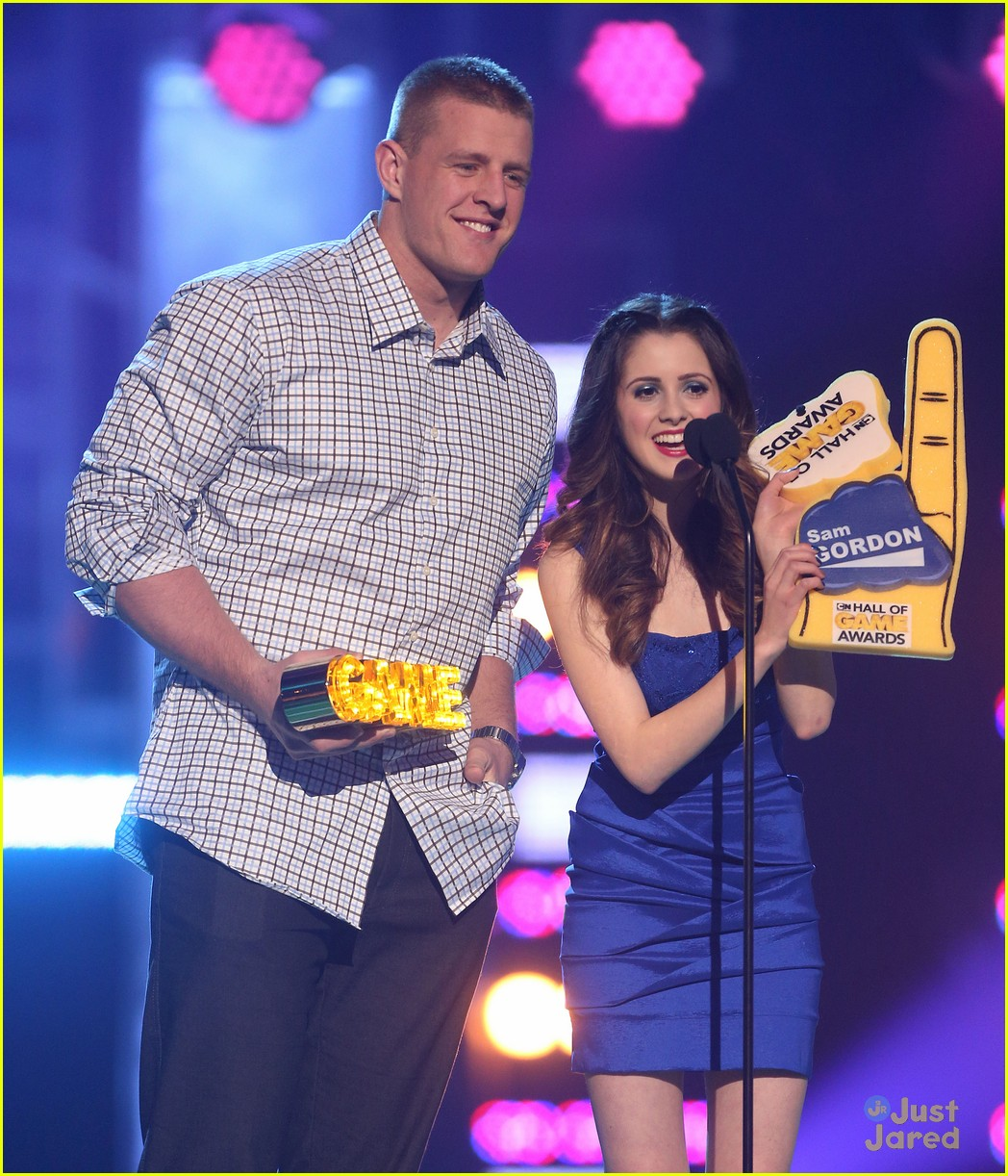 laura marano raini rico rodriguez hall game awards 14