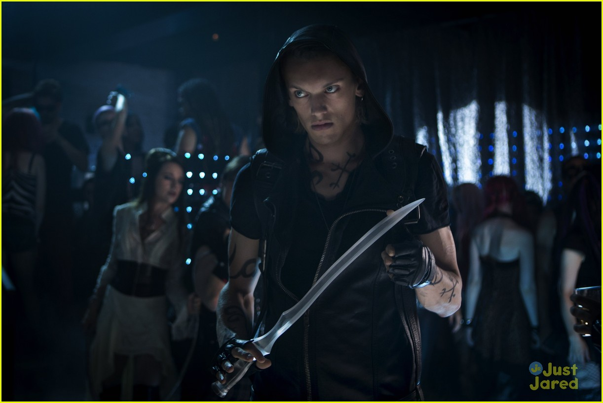 lily collins jamie campbell bower mortal instruments stills 06