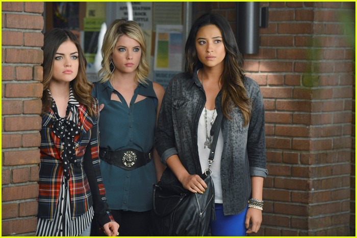 pretty little liars broken hearted 01