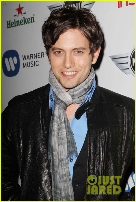 jackson rathbone jessica lowndes post grammys party 04
