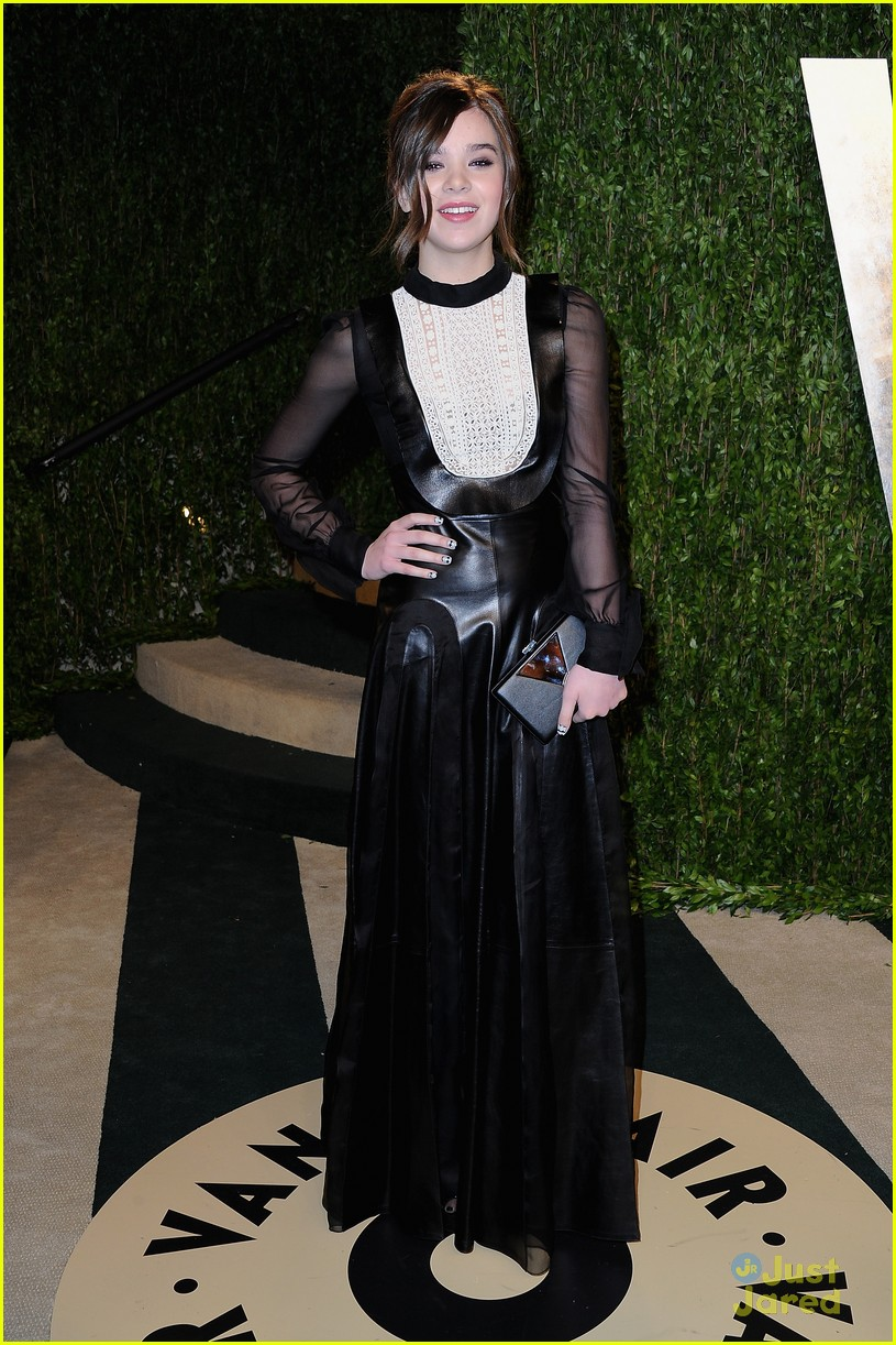 hailee steinfeld vanity fair oscar party 2013 01