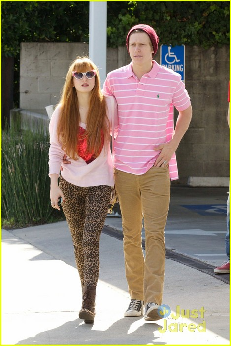 bella thorne tristan klier duffs cakemix couple 01