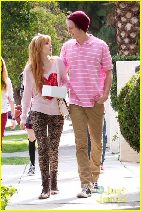 bella thorne tristan klier duffs cakemix couple 05