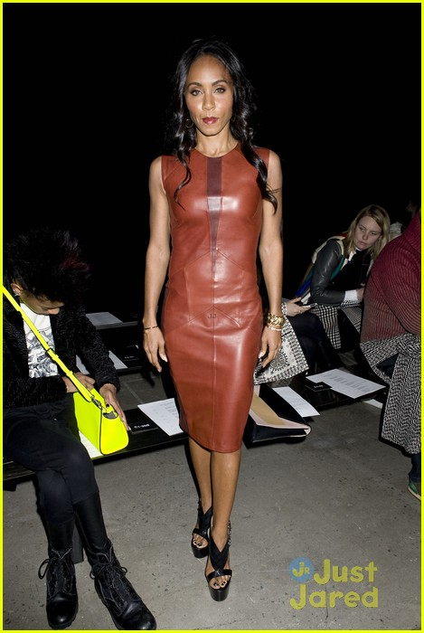 willow smith narciso rodriguez show with om jada 09