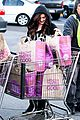 Winter-grocery ariel winter whole foods stop with sister shanelle 07