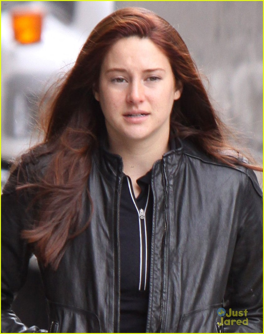 shailene woodley red hair for amazing spider man 2 filming 02