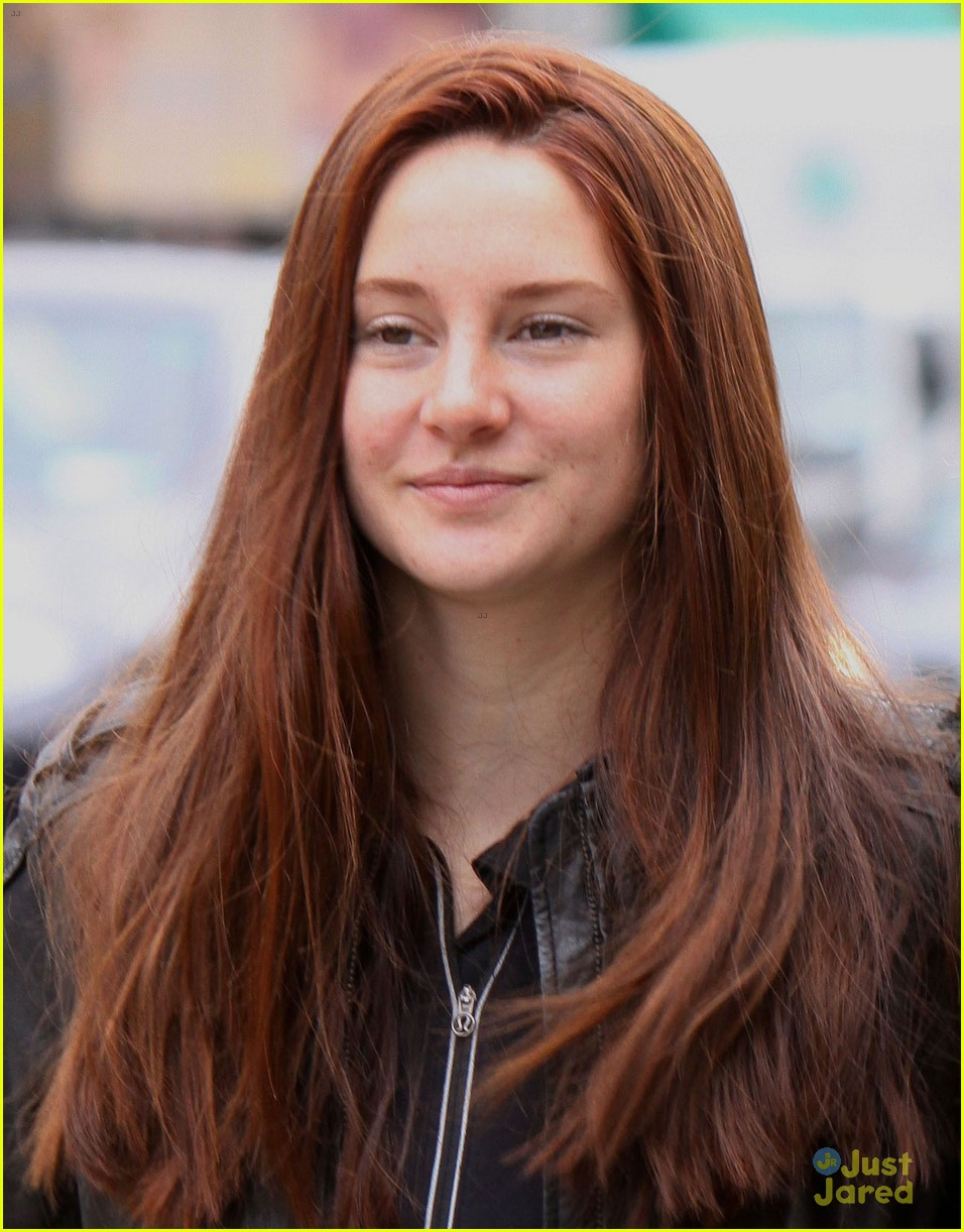 shailene woodley red hair for amazing spider man 2 filming 04