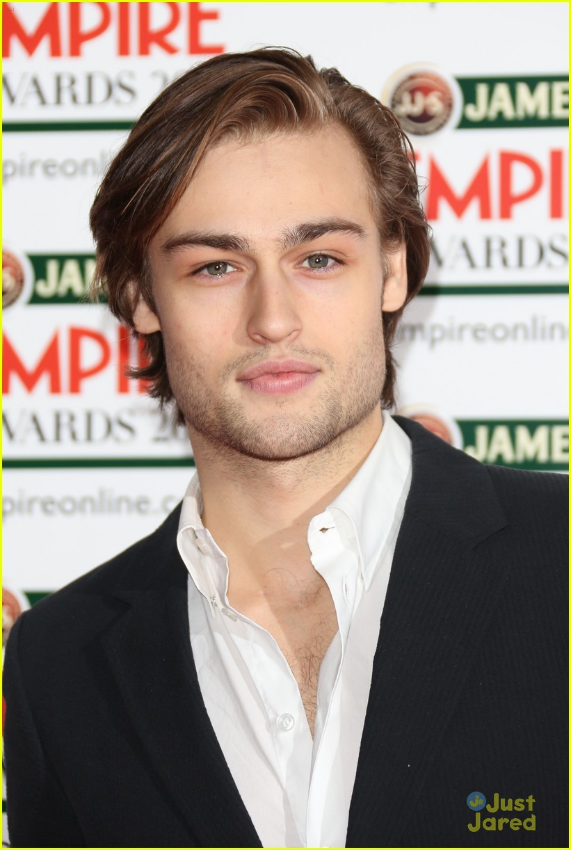 robert sheehan douglas booth jameson empire awards 04