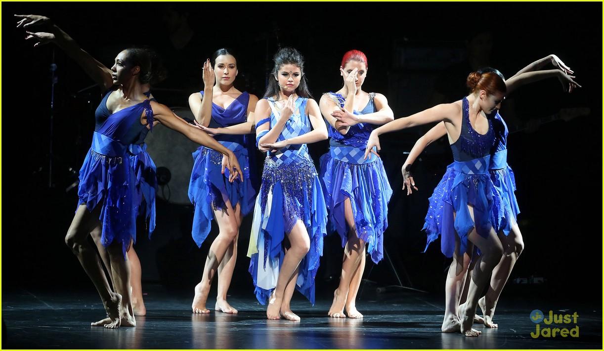 selena gomez performance rdma 05