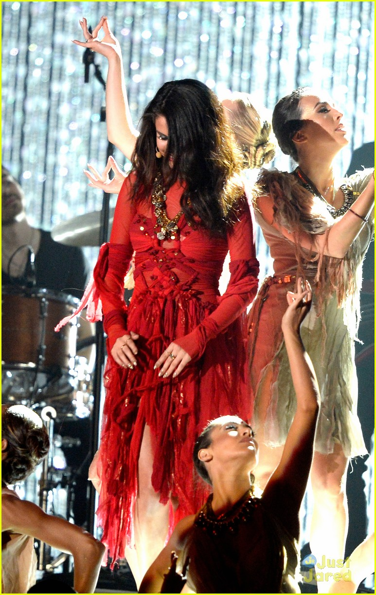 selena gomez mtv performance come get it 07