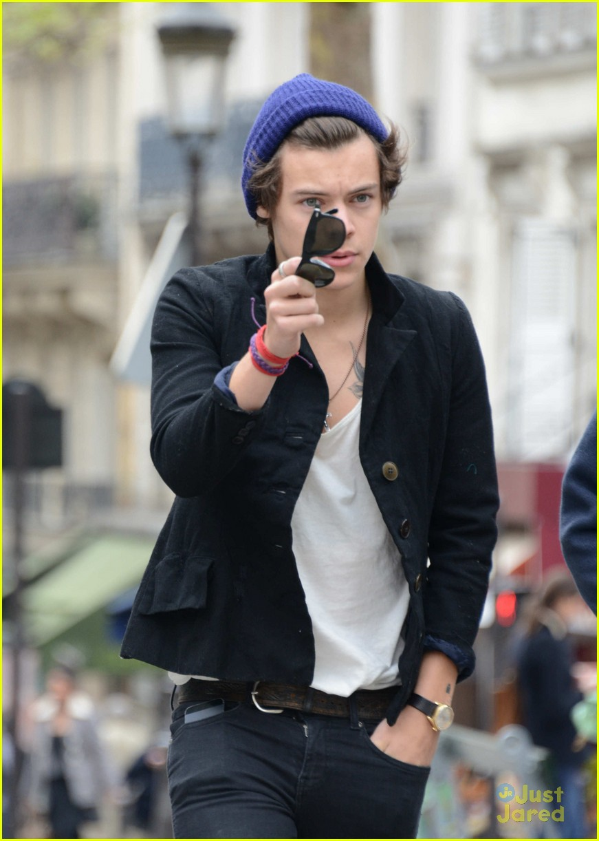 harry styles fan friendly in paris 04