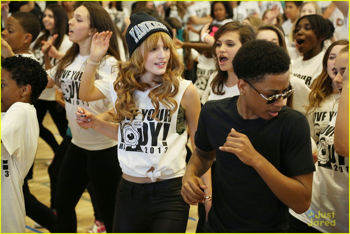 bella thorne jacob latimore move your body 05