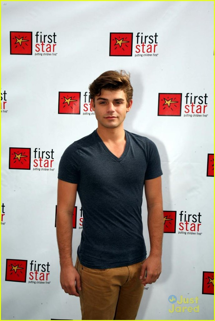 garrett clayton twittergarrett clayton twitter, garrett clayton zac efron, garrett clayton height and weight, garrett clayton king cobra kiss, garrett clayton movie, garrett clayton gay or not, garrett clayton википедия, garrett clayton instagram, garrett clayton биография, garrett clayton boyfriend, garrett clayton and ariana grande, garrett clayton claudia lee, garrett clayton biografia