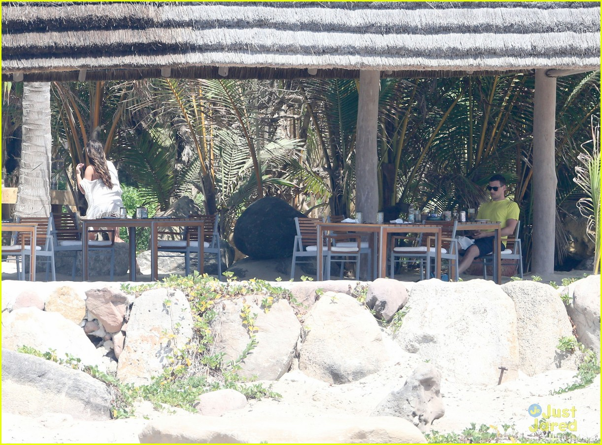 Lea michele cory monteith vacation in mexico 10