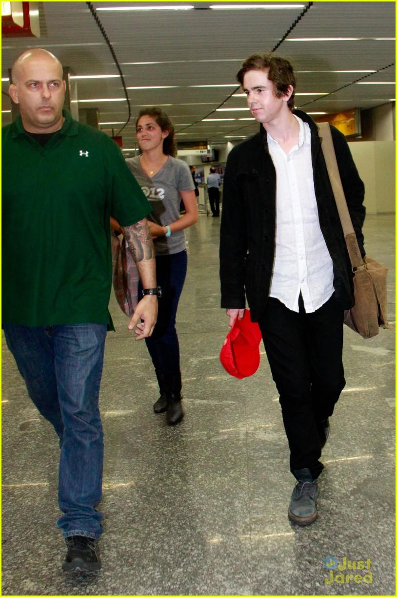 Freddie Highmore Visits South America! | Photo 570578 ...
