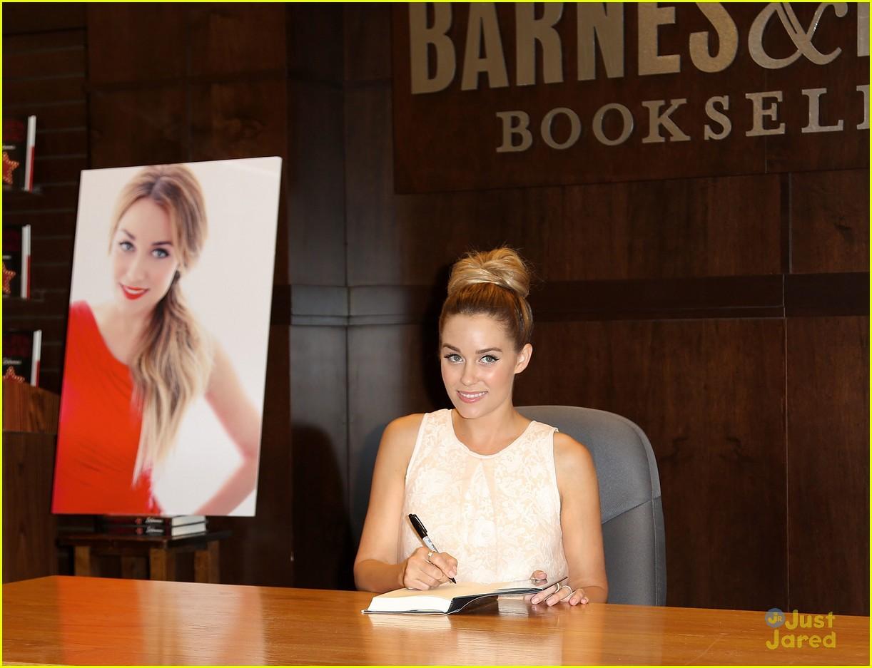 lauren conrad infamous book signing 12