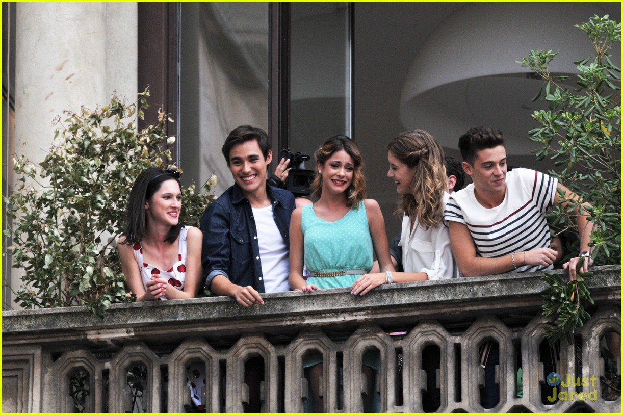 The cast of Violetta greet their fans from the terrace of Mondadori at