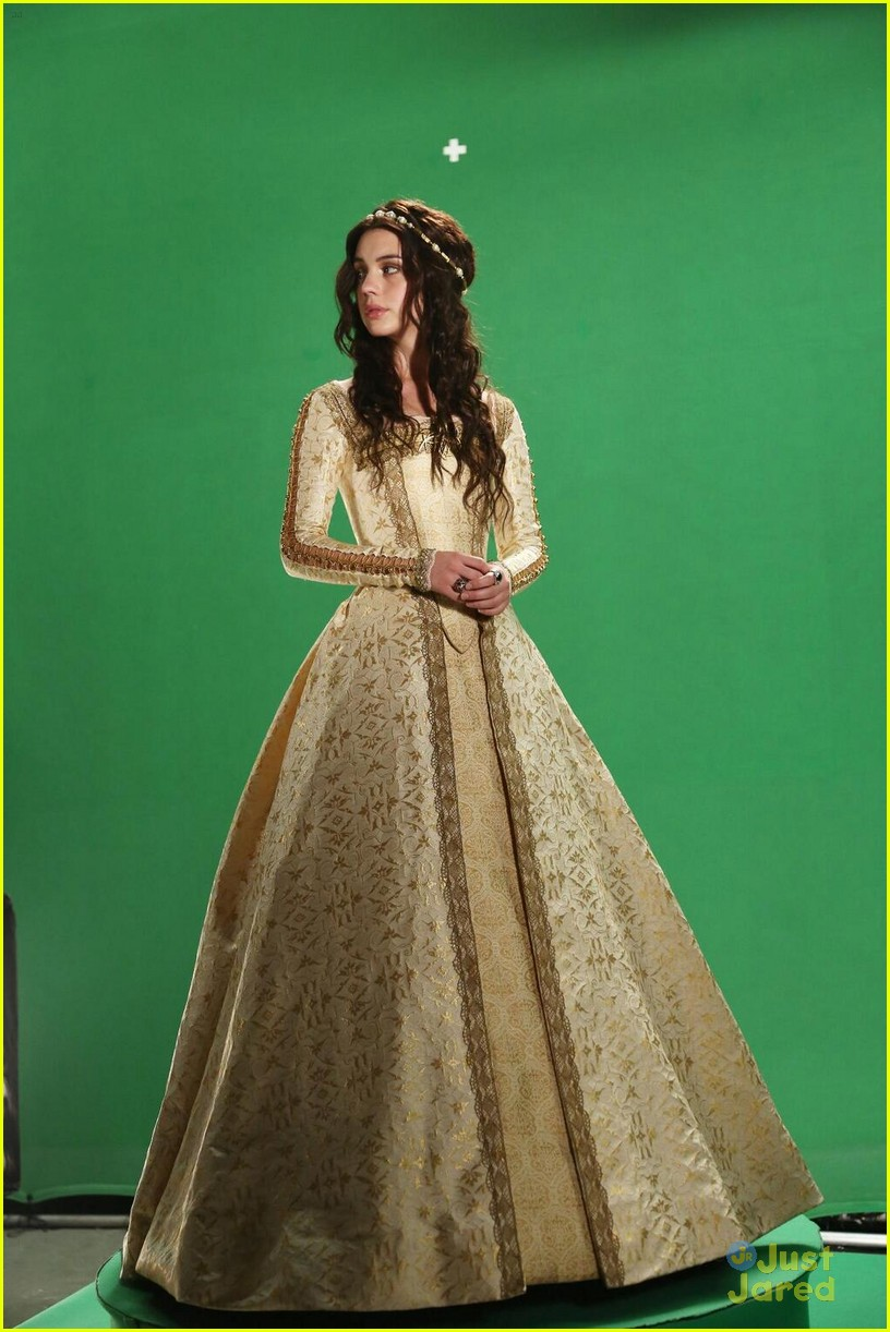Adelaide kane umbrella bts photoshoot 9