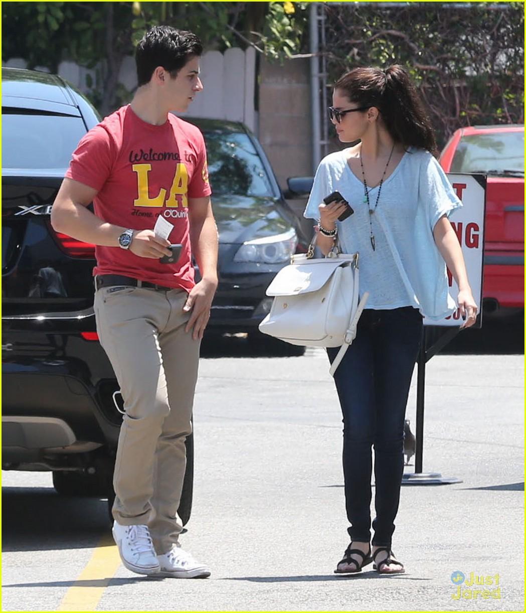 Selena Gomez And David Henrie Dating 2013 Selena Gomez & Dav...