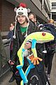 Wanted-frog the wanted jay mcguiness carries froggy friend at the airport 04