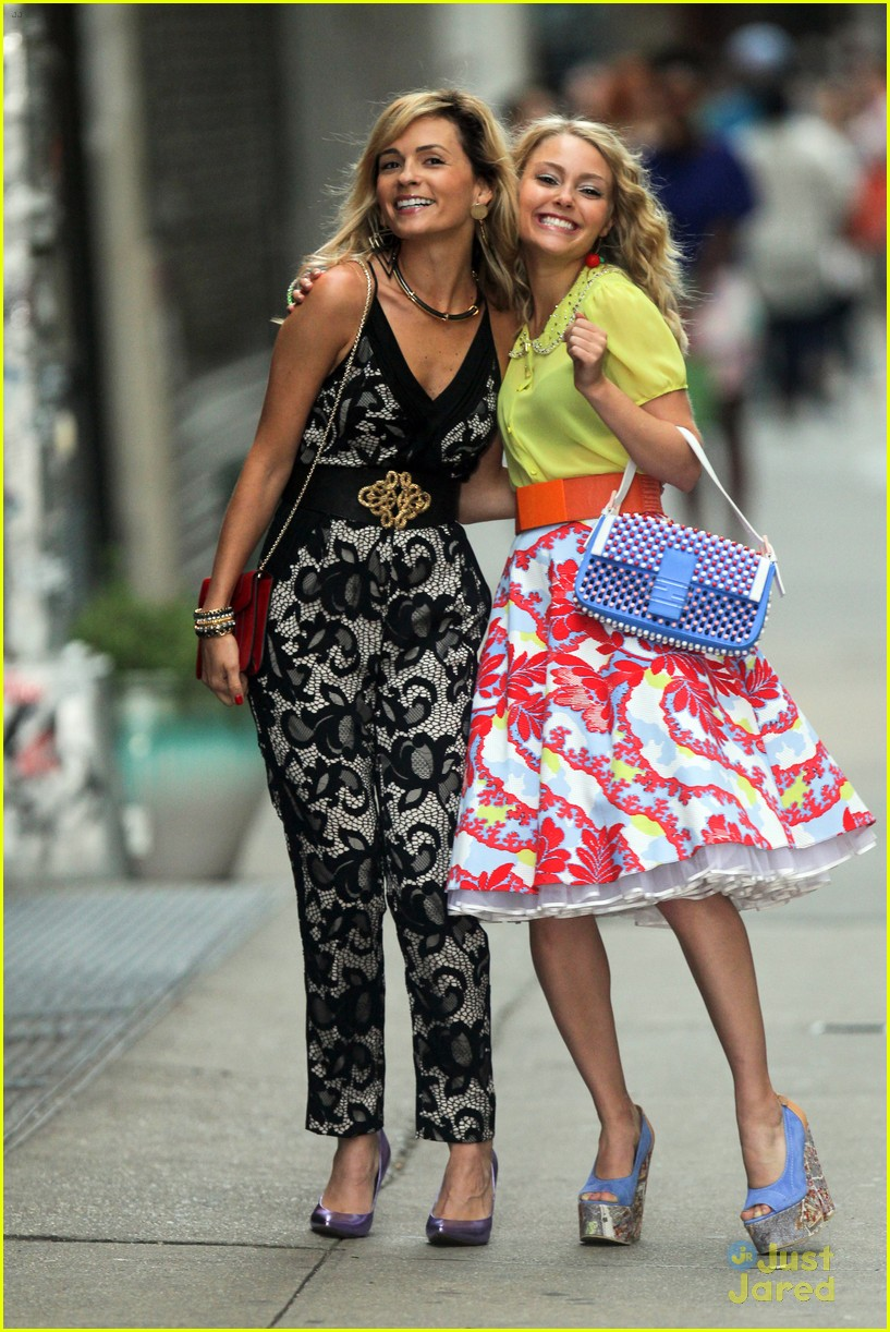 how did carrie and samantha meet