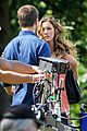Arrow-casskissam stephen amell katie cassidy arrow filming 04