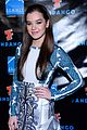 Hailee-summit hailee steinfeld asa butterfield summit comic con party pair 05