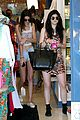 Jenner-shop kendall kylie jenner shopping sisters 04
