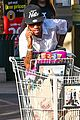 Kylie-food kylie jenner food shopping with friends 07