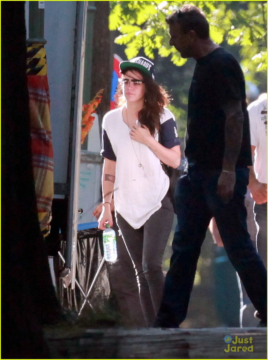 kristen stewart back to work on sils maria 05