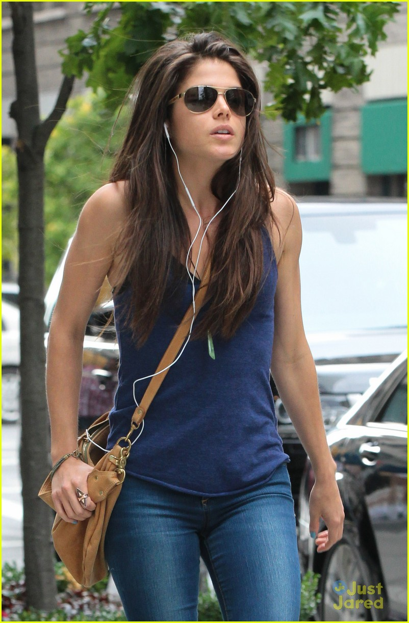 Marie Avgeropoulos: 'The 100' On Book Shelves in September ...