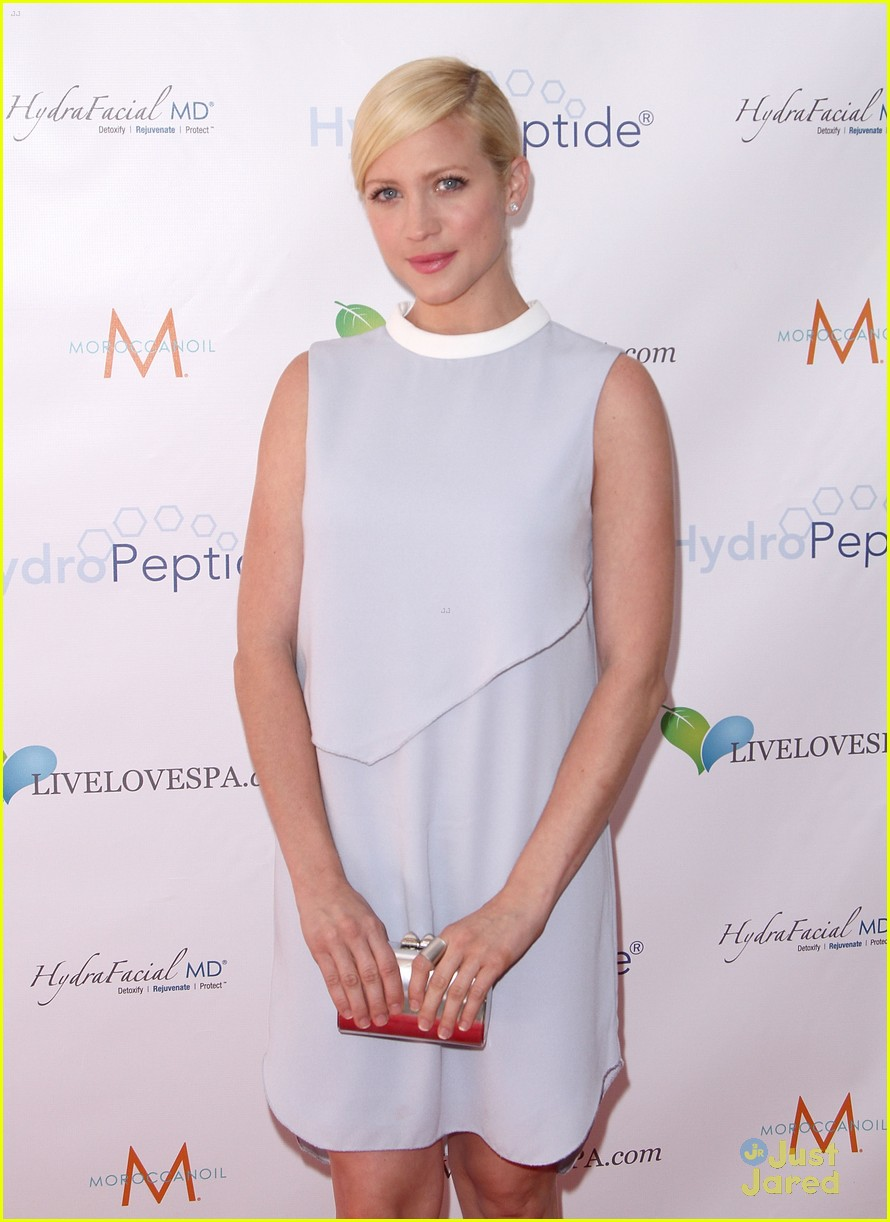 brittany snow splash spa event 04