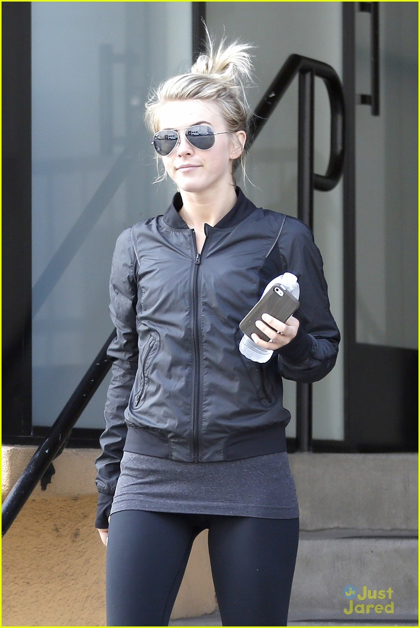 julianne hough hits the gym before dance studio stop 04