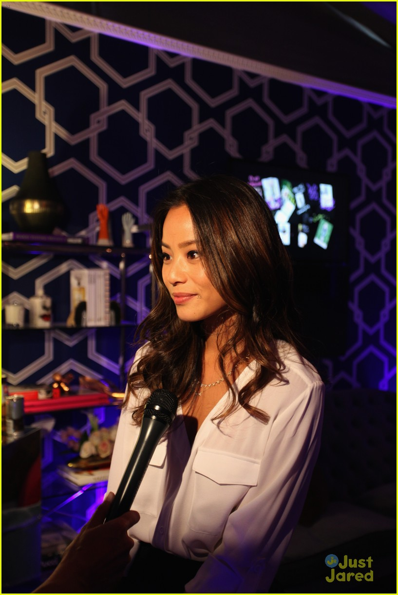 jamie chung kat graham alice olivia fashion show 06