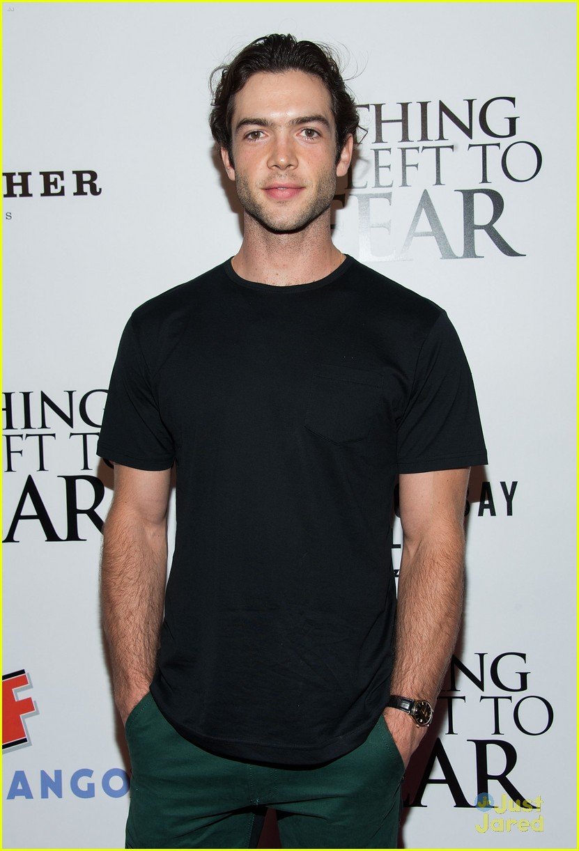 ethan peck and his girlfriend