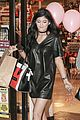 Kylie-balloons kylie jenner ralphs run friends bday 03
