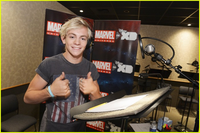 ross lynch ultimate spiderman xd 01