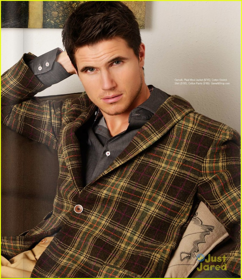 robbie amell regard mag feature 01
