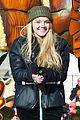 Danielle-philly danielle bradbery philly parade 02