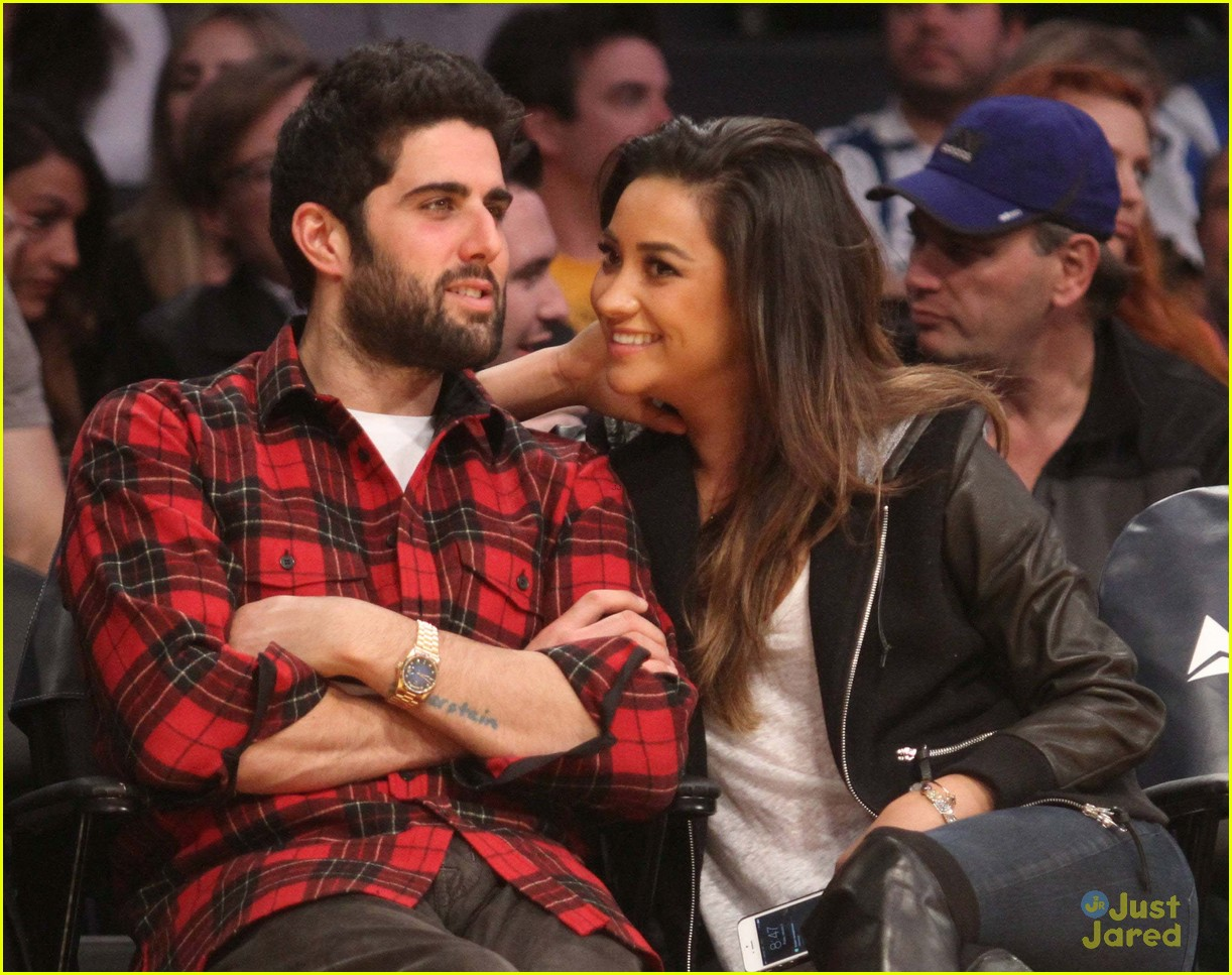 shay mitchell guy friend lakers game 03