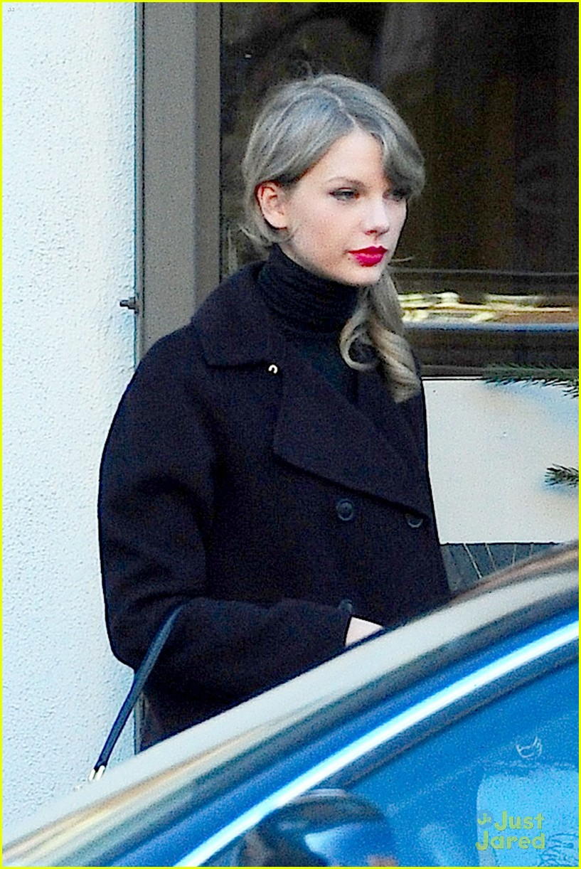 Daydream Stars Taylor Swift Nyc Outing With Brother Austin