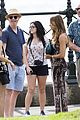 Sarah-ariel sarah hyland ariel winter modern family holiday episode australia 04