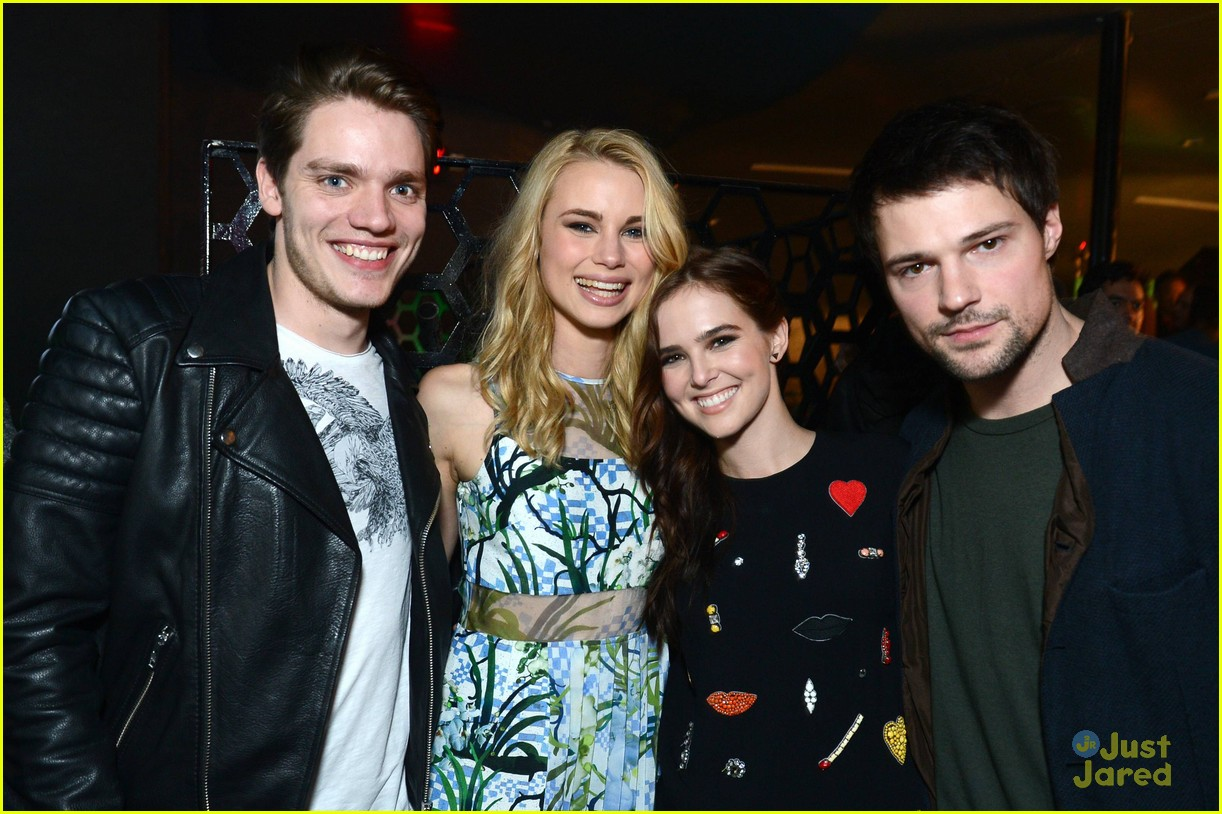 zoey deutch lucy fry vampire academy party 23
