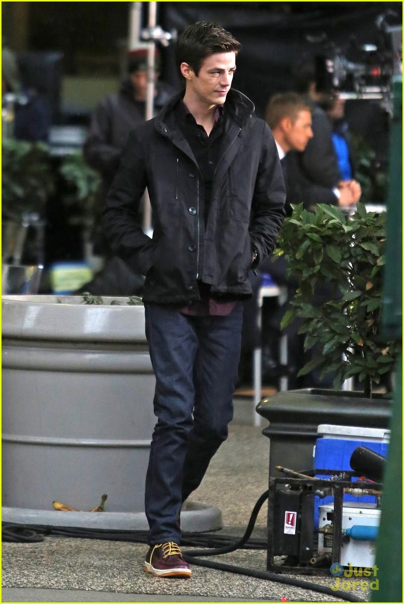 Who is Zac Efron dating Zac Efron girlfriend wife