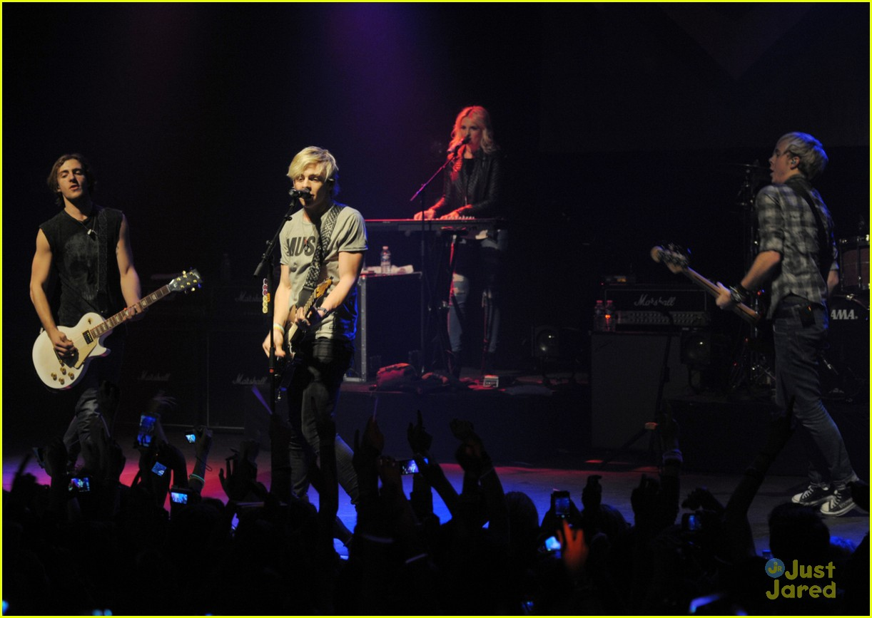r5 paris la cigale tour stop 04