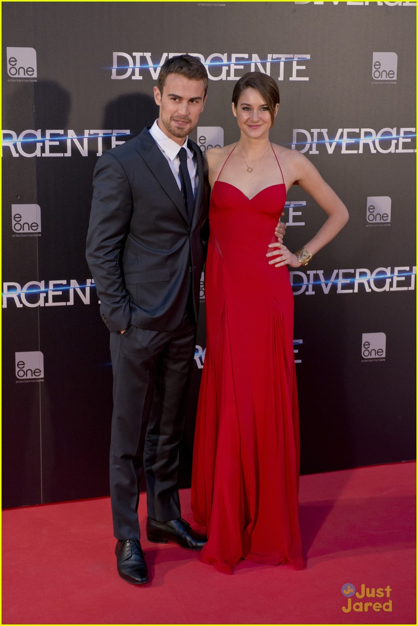 Shailene Woodley And Theo James, Divergent New York ...  Shailene Woodley And Theo James Divergent Premiere